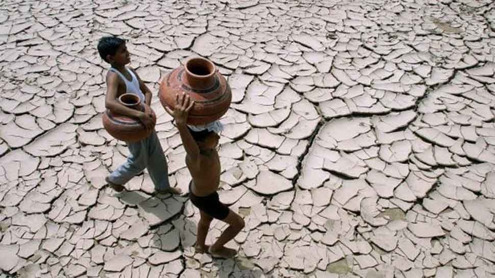 मध्य प्रदेश के इस गांव में पानी की समस्या से परेशान हुए लोग, प्रशासन ने साधी चुप्पी