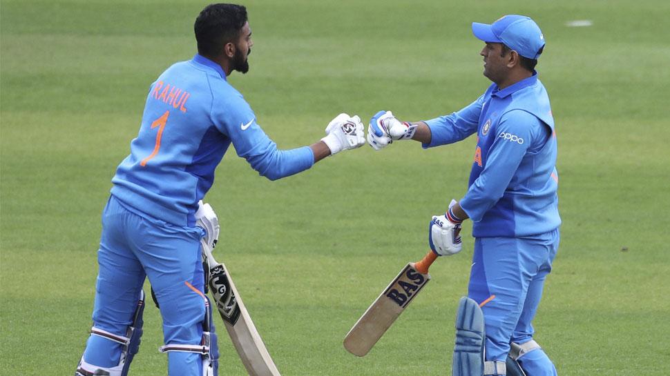 Dhoni KL saves India