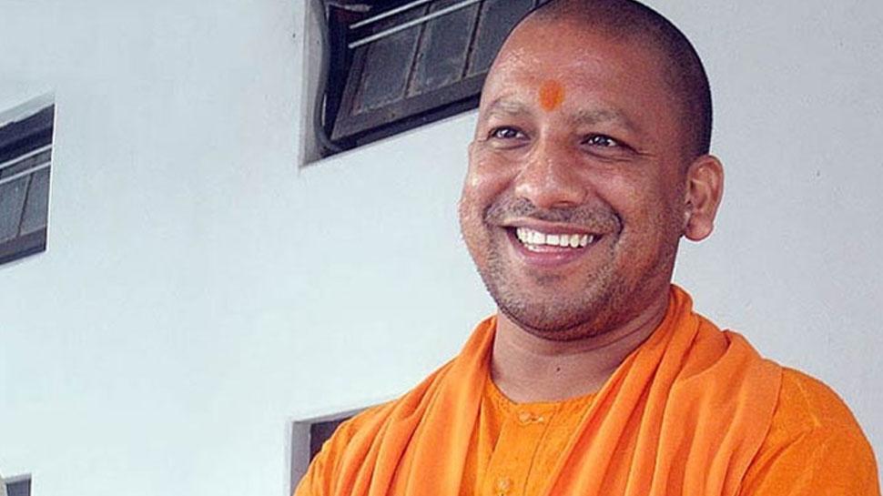 CM योगी ने गोरखनाथ अस्पताल में नई एंबुलेंस और ब्लड डोनेशन वैन का किया लोकार्पण