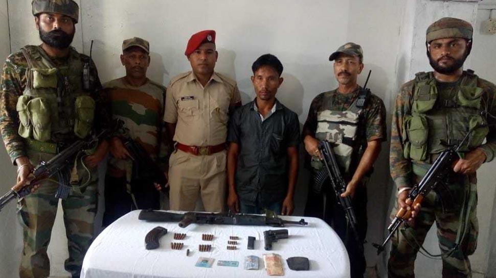 असम: सुरक्षाबलों को बड़ी कामयाबी, मोस्ट वांटेड उग्रवादी हथियारों के साथ गिरफ्तार
