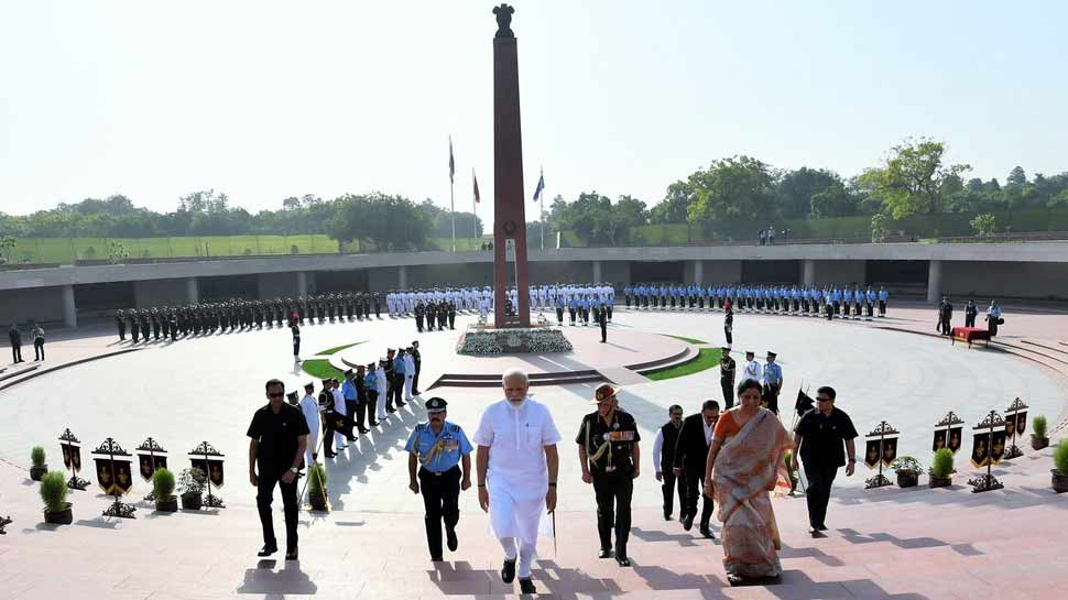 शिवसेना ने सामना में लिखा, 'पीएम मोदी के हाथ में देश का नेतृत्व ईश्वरीय योजना...'