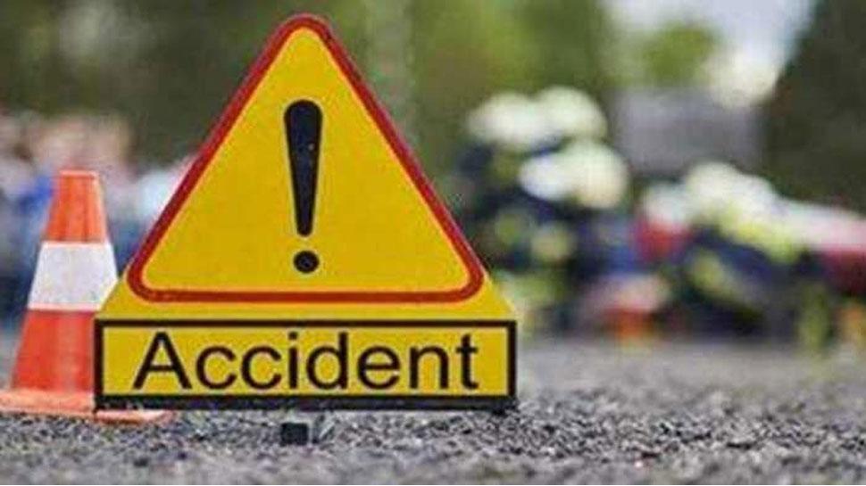 करणपुर में नीलगाय से हुई कार और बाइक की टक्कर, 3 घायल