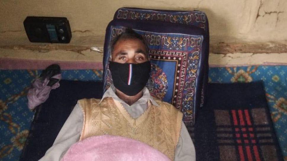 भुखमरी के कगार पर पहुंचे कश्मीर के इस परिवार को मिला CRPF के 'मददगार' का सहारा