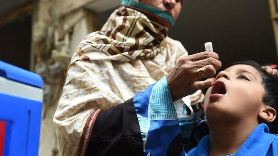 पाकिस्तान के सात स्कूल पोलियो विरोधी दुष्प्रचार के लिए बंद किए गए