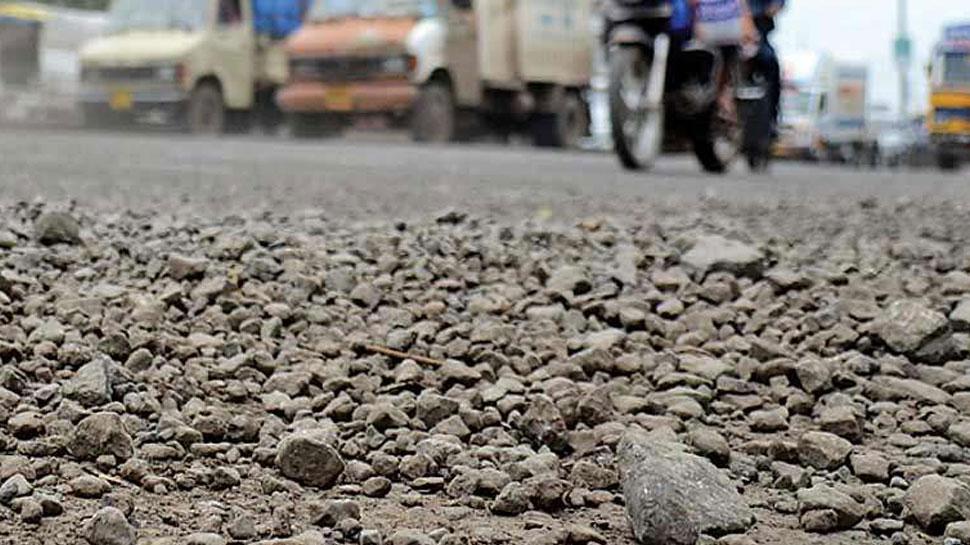 राजस्थान: खुदी हुई सड़कों के कारण आमजन को हो रही परेशानी, प्रसासन नहीं ले रहा सुध