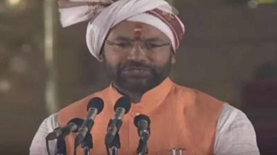इस राज्यमंत्री ने सबसे अलग ढंग से ली शपथ, लगाए 'भारत माता की जय' के नारे