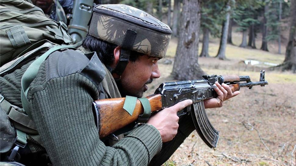 जम्मू-कश्मीर: 12 घंटों में सुरक्षाबलों और आतंकियों के बीच 3 एनकाउंटर, 3 आतंकी ढेर