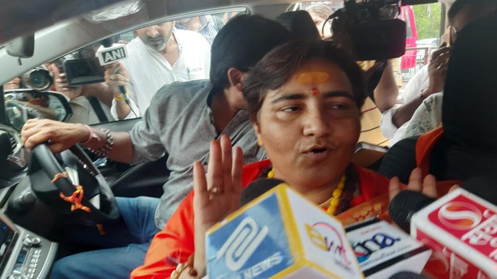भोपाल से BJP सांसद साध्वी प्रज्ञा ने किया ऐलान- 'मैं अपनी पूरी सैलरी जरूरतमंदों पर करूंगी खर्च'