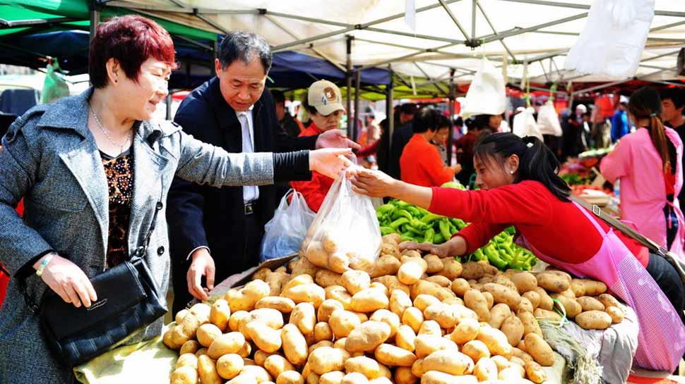 पाकिस्तान के बाद चीन में भी महंगाई ने तोड़ा रिकॉर्ड, ट्रेड वार से सहमा बाजार
