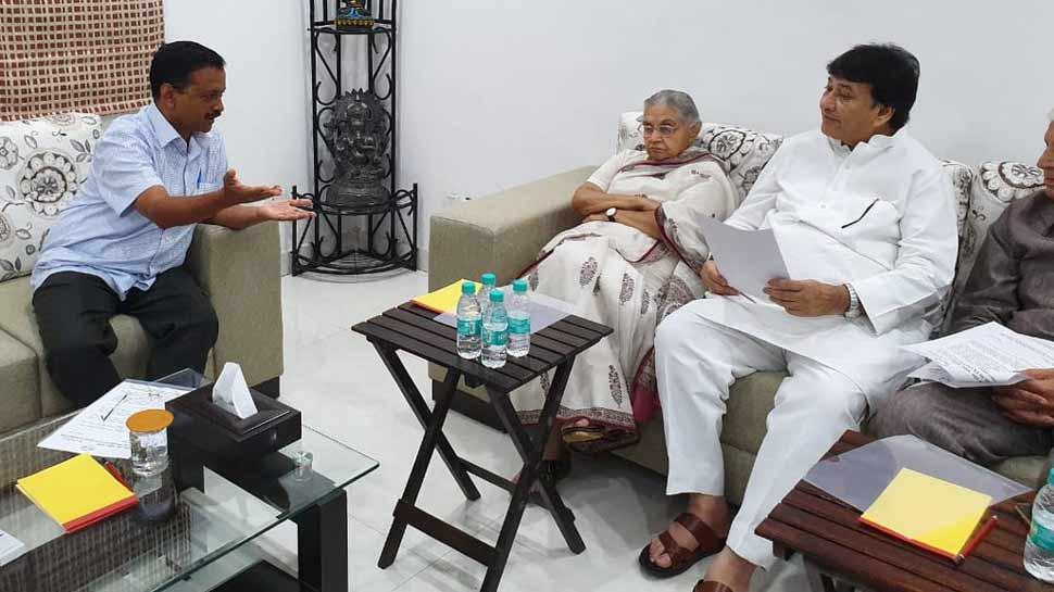 बिजली-पानी के मुद्दे पर कांग्रेस नेताओं ने सीएम केजरीवाल से मुलाकात की