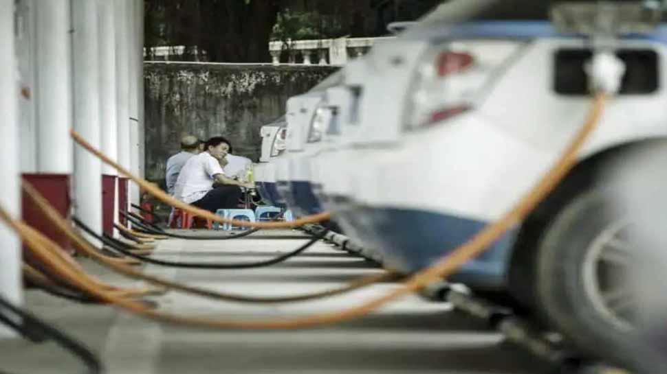 दिल्ली में तैयार हुआ पहला 'स्मार्ट E-Car चार्जिंग स्टेशन', एप से कर सकेंगे स्लॉट बुक