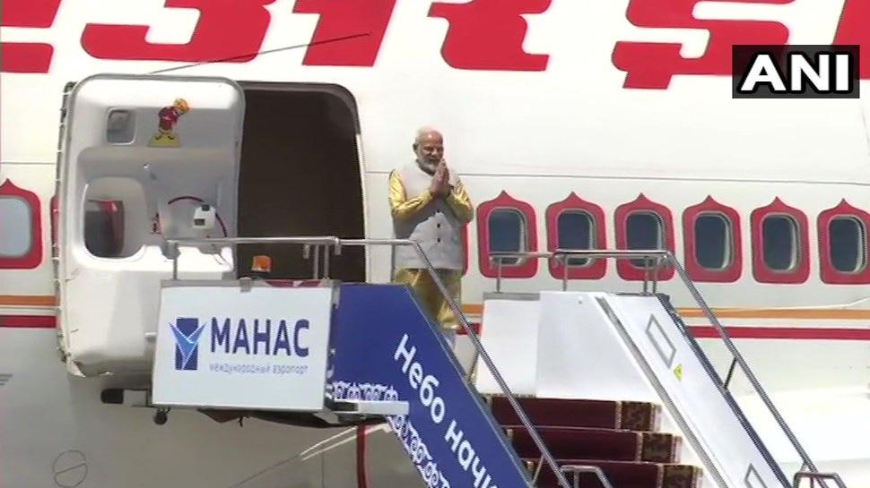 ओमान के रास्ते बिश्केक पहुंचे PM मोदी, SCO सम्मेलन में लेंगे हिस्सा
