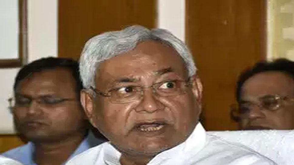 शराबबंदी को लेकर नीतीश कुमार के फैसले का आरजेडी ने किया स्वागत, कांग्रेस ने बताया खोट