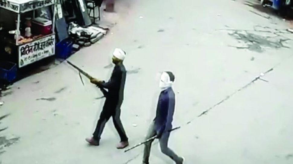 धौलपुर: डकैत जगन गुर्जर का आतंक, बंदूक के बल पर महिलाओं से की मारपीट, निर्वस्त्र कर घुमाया