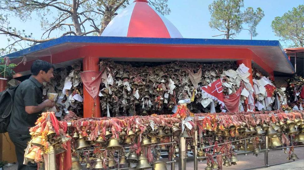 उत्तराखंड की वादियों में हैं 'न्याय के देवता', भक्त मनोकामना के लिए उन्हें लिखते हैं चिट्ठी