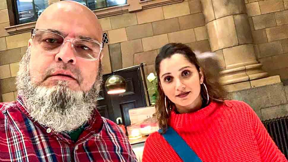 World Cup 2019: धोनी पाकिस्तान के Fan 'चाचा शिकागो' को 2011 से दे रहे हैं टिकट
