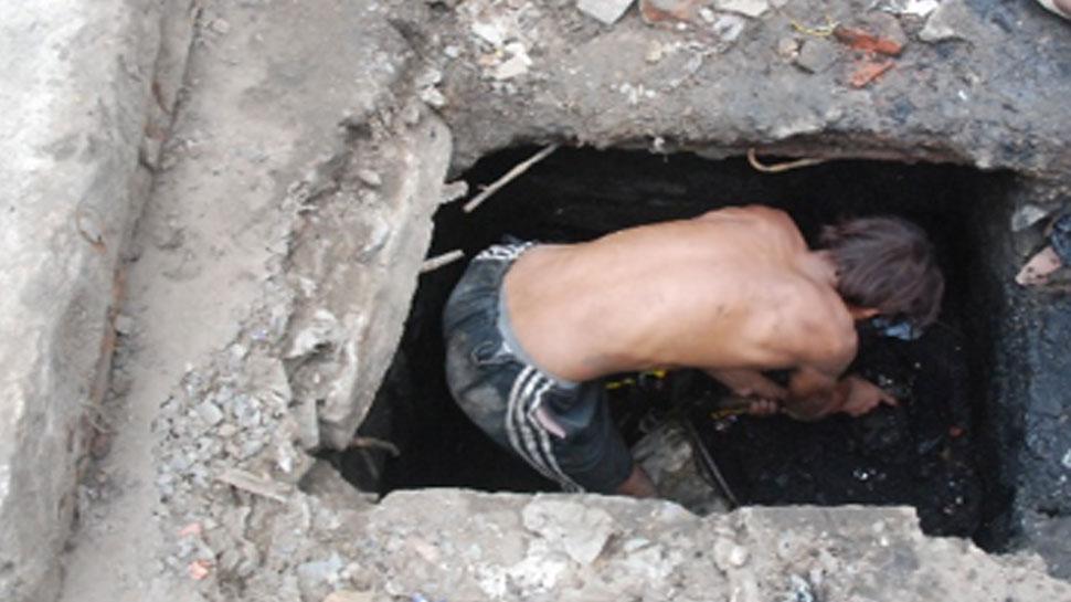 वड़ोदराः होटल में सीवर साफ करने के दौरान दम घुटने से सात लोगों की मौत