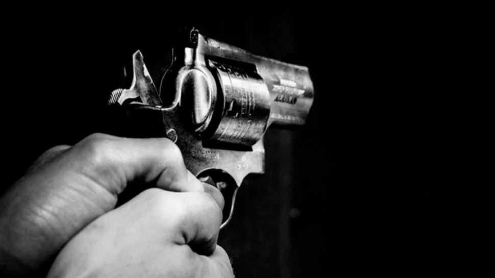 उत्तर प्रदेशः कहासुनी के दौरान चलीं गोलियां, दो लोगों की मौत