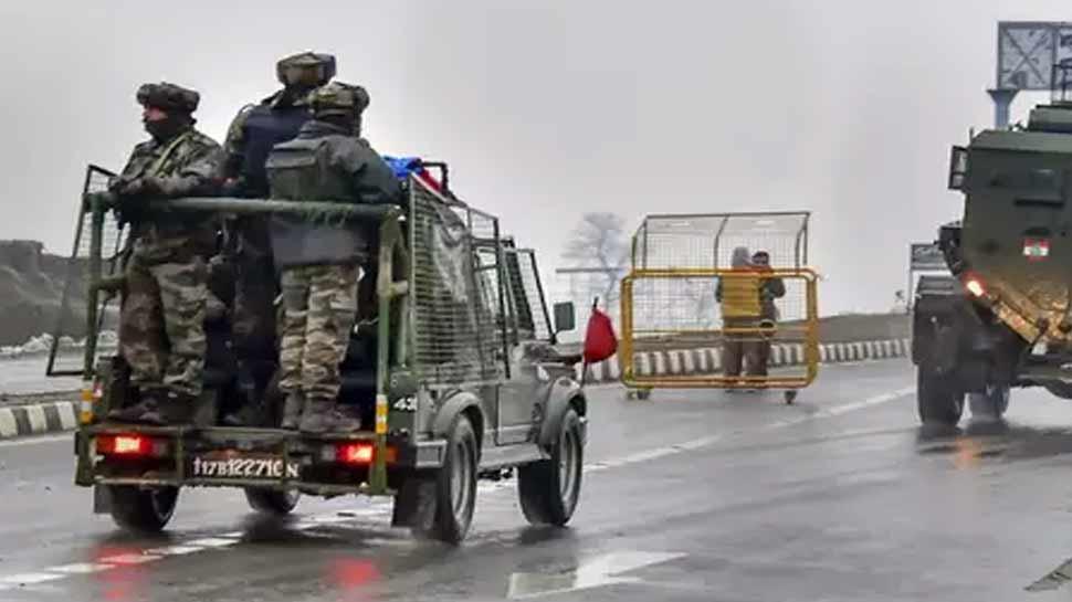 जम्मू कश्मीर में पुलवामा हमले जैसे वारदात दोहराने की फिराक में आतंकी, लेंगे मूसा की मौत का बदला!