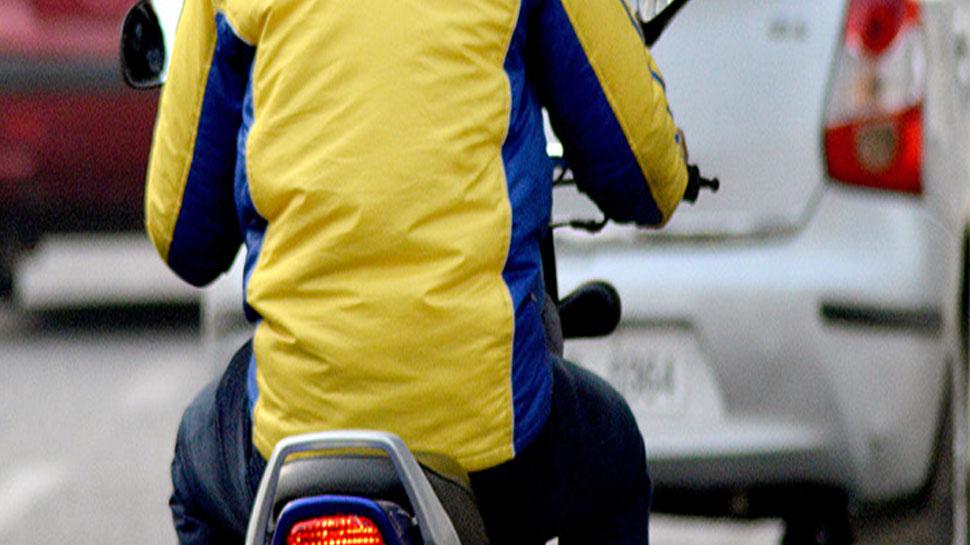 नोएडाः बाइक टैक्सी कंपनी चलाने के नाम पर लोगों को ठगने वाले पति-पत्नी फरार