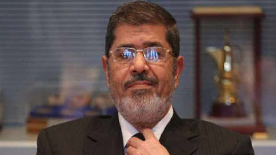 मिस्र के पूर्व राष्ट्रपति मुर्सी का अदालत में सुनवाई के दौरान अचानक गिरे, हुआ निधन