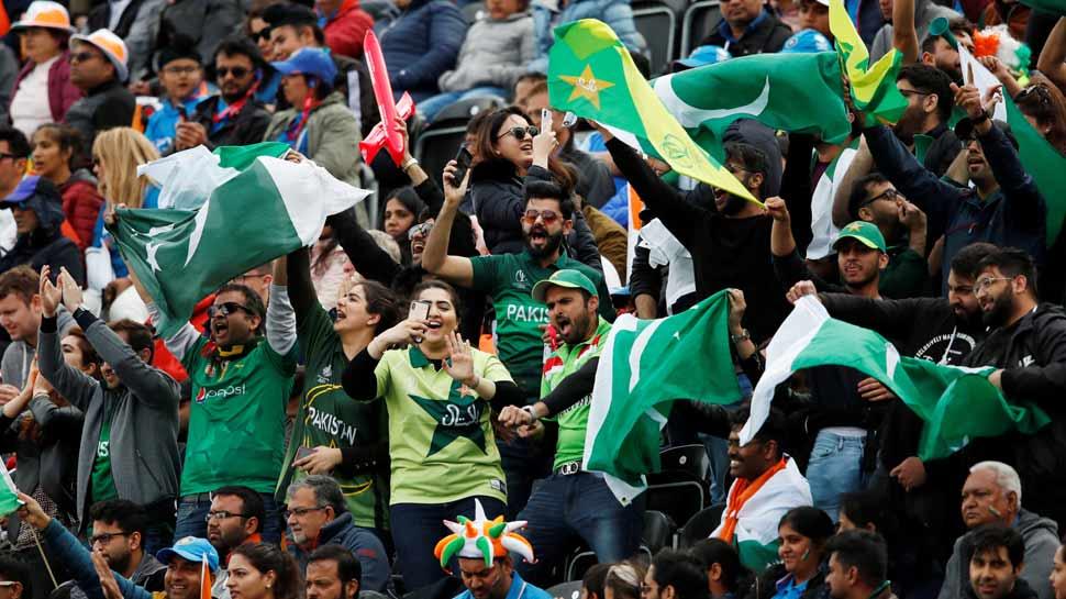 पाकिस्तानी क्रिकेटरों ने मांगी रहम की भीख, फैंस से बोले- 'प्लीज, ऐसे शब्दों का इस्तेमाल न कीजिए'