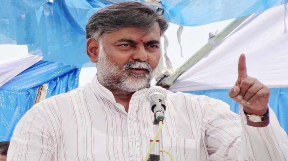 मध्य प्रदेश: केंद्रीय मंत्री प्रहलाद पटेल का बेटा मारपीट के आरोप में गिरफ्तार
