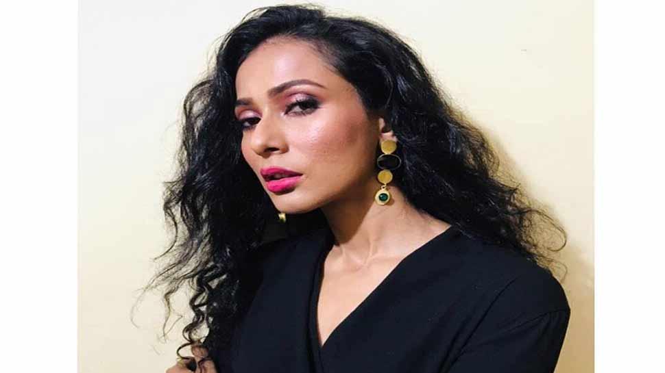 पूर्व मिस इंडिया यूनिवर्स उशोशी सेनगुप्ता से अभद्र व्यवहार करने पर सात गिरफ्तार