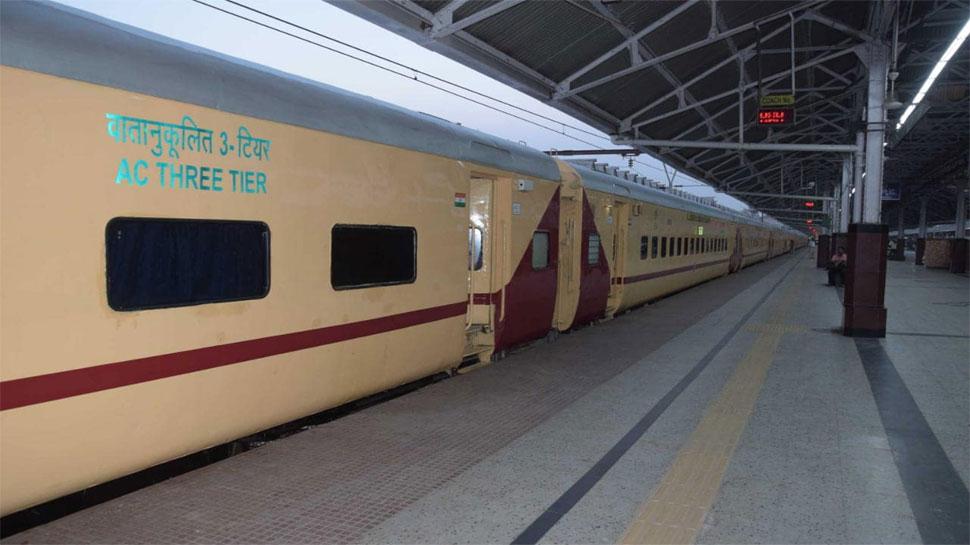 एक हजार किलोमीटर से ज्यादा दूरी तय करनी वाली 342 जोड़ी ट्रेनों में नहीं है पैंट्री कार