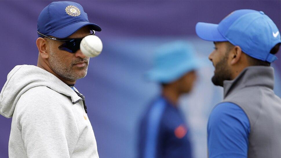 ICC क्रिकेट क्लीनिक: जब बोल पड़े धोनी, 'पंत ने सिक्स मारा है, देखना अब ये भी मारेगा'