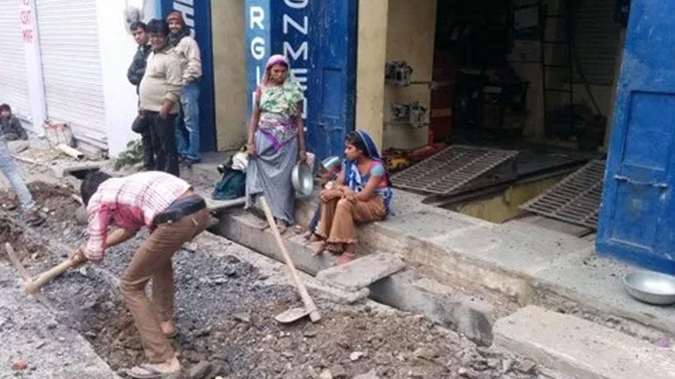 बारां: सीवरेज खुदाई के काम में नगर परिषद की अनदेखी से जनता परेशान, बढ़ रही हादसों की संभावना