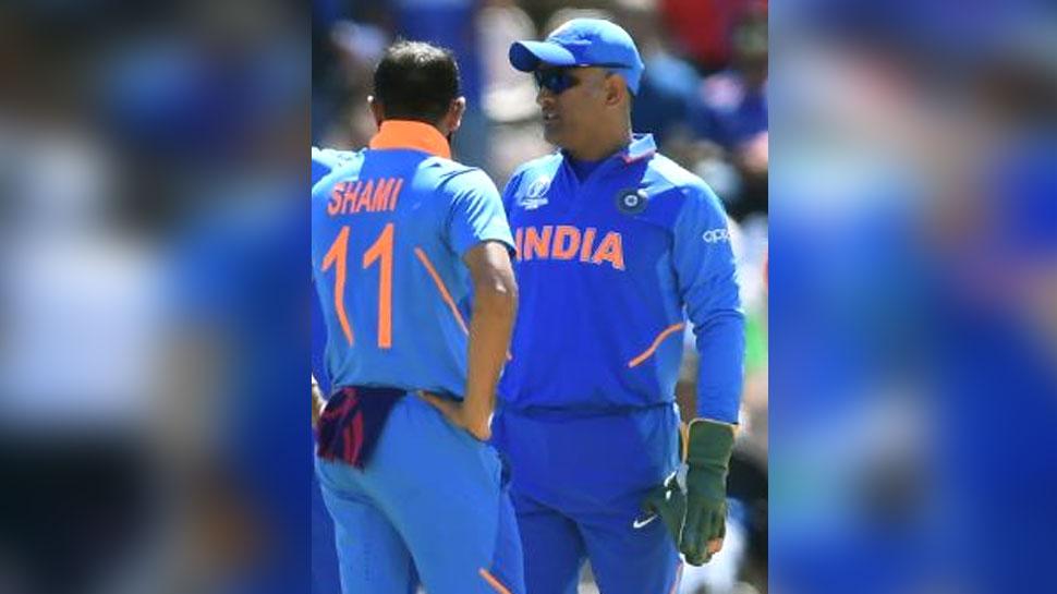 IND vs AFG: मैच फिसलता देख दो ओवरों के लिए 'कप्तान' बने धोनी, और फिर पलट दिया पूरा खेल