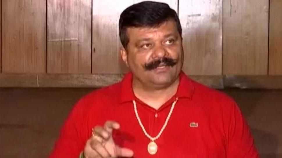 पत्रकार से अभद्रता मामले में BJP ने MLA प्रणव सिंह चैंपियन को 3 महीने के लिए सस्पेंड
