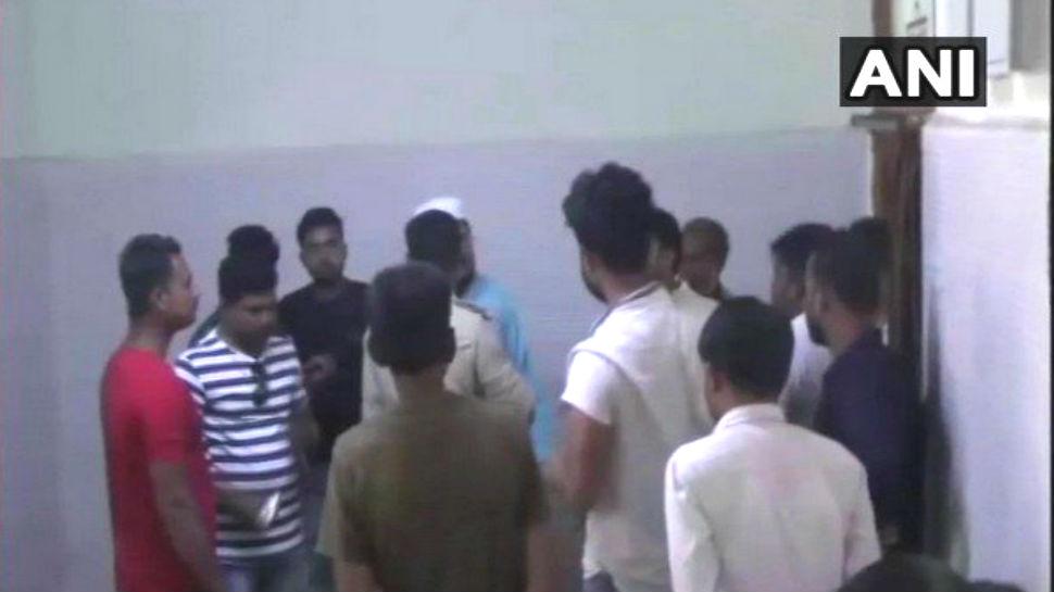 झारखंड: चोरी के शक में युवक की भीड़ ने की पिटाई, 18 घंटे बाद पुलिस को दी सूचना, मौत