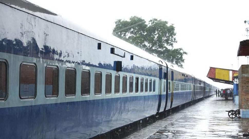 महाराष्ट्र: मानसून सत्र में भाग लेने मुंबई आ रहे दो विधायकों के सामान ट्रेन से चोरी