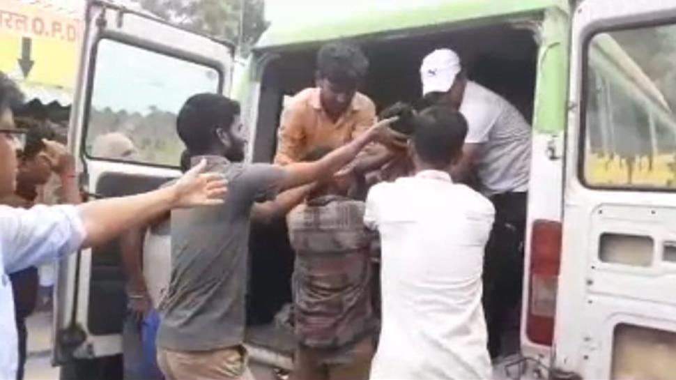 नवादा : हाईटेंशन तार की चपेट में आने से बस की छत पर सवार 3 यात्रियों की मौत
