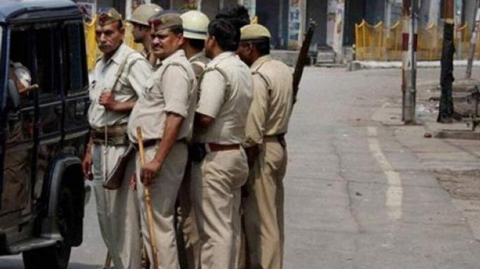 यूपी के हमीरपुर में एक ही परिवार के 5 लोगों की हथौड़ा मारकर हत्या