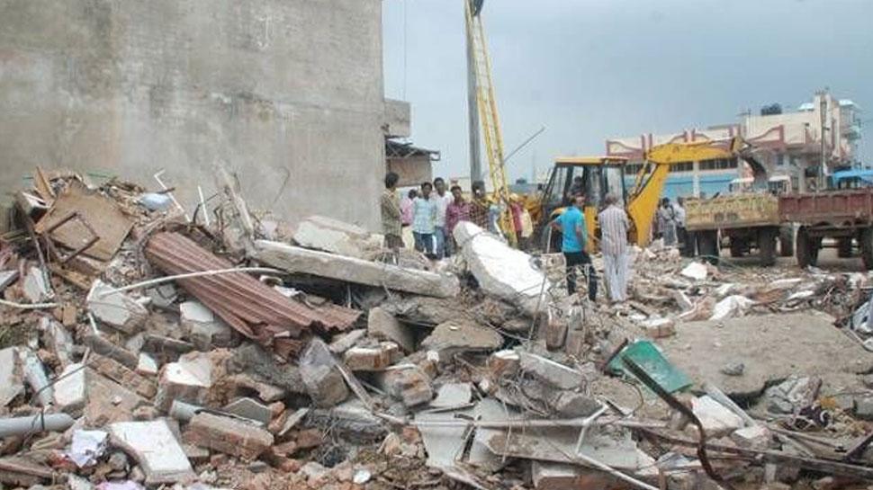 कोटा: रात को आई तेज आंधी से ढहे 2 निर्माणाधीन मीनार, कोई हताहत नहीं