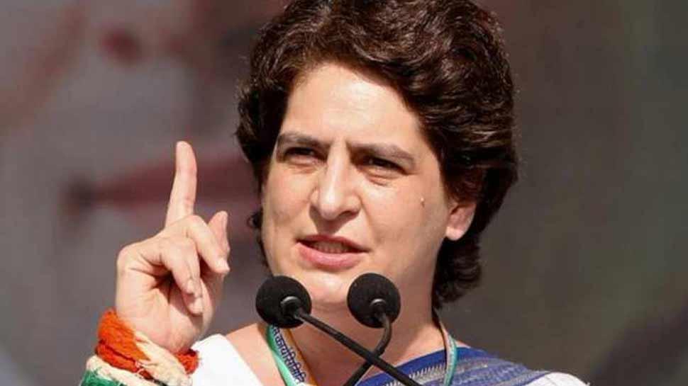 प्रियंका गांधी ने योगी सरकार से सवाल, 'क्या सरकार ने अपराधियों के सामने आत्मसमर्पण कर दिया?'