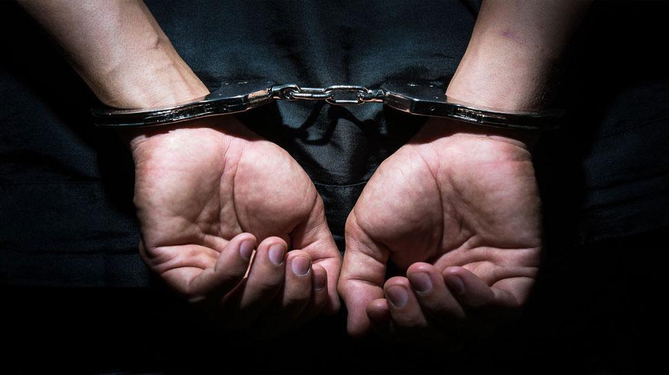 बलात्कार एवं हत्या के आरोपी बाप-बेटे गिरफ्तार, रखा गया था 20-20 हजार का इनाम