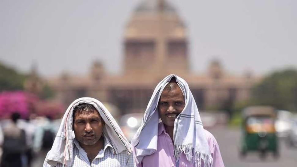 दिल्ली-NCR वालों- अगर बारिश के लिए हैं बेकरार, तो करना होगा और भी इंतजार