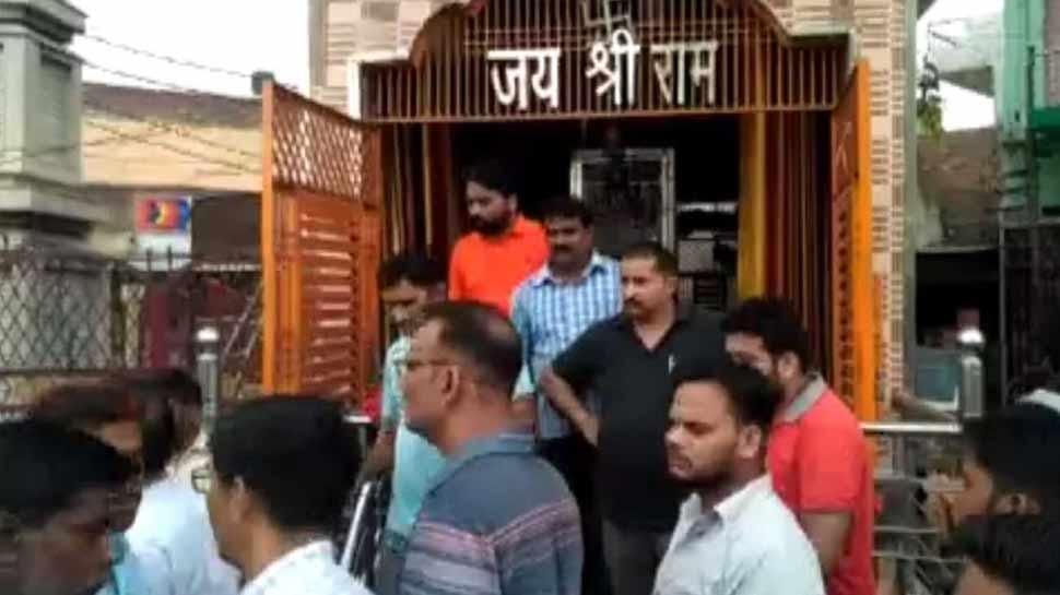मुजफ्फरनगर: हनुमान मंदिर में तोड़फोड़ के बाद हंगामा, पुलिस ने आरोपी को किया गिरफ्तार