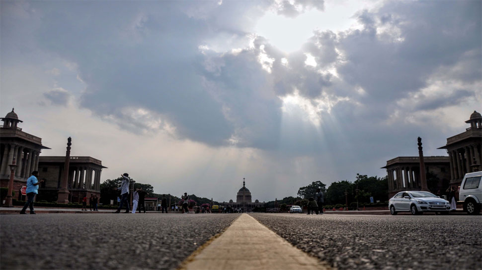 दिल्ली: रविवार और सोमवार को हल्की बारिश की संभावना