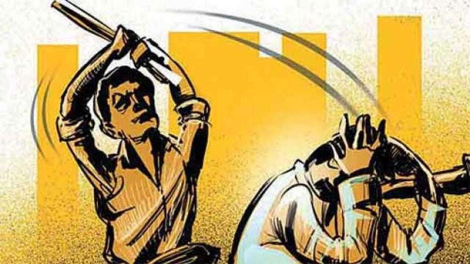 पत्नी का अपहरण कर 3 बदमाशों ने किया रेप, पति ने की शिकायत तो पुलिस ने तोड़ दी 2 उंगलियां