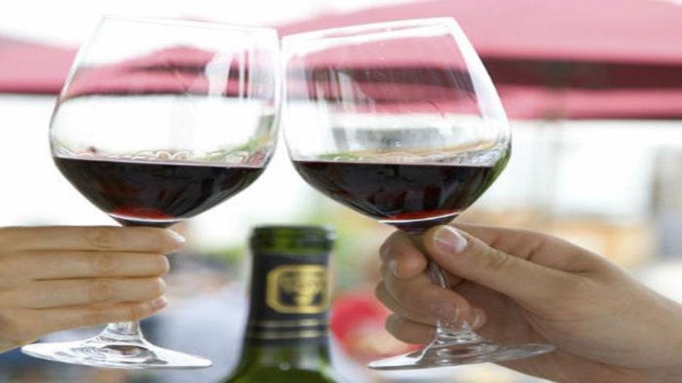 जानिए, एक सप्ताह में महिलाओं और पुरुषों को कितने पैग पीने चाहिए शराब