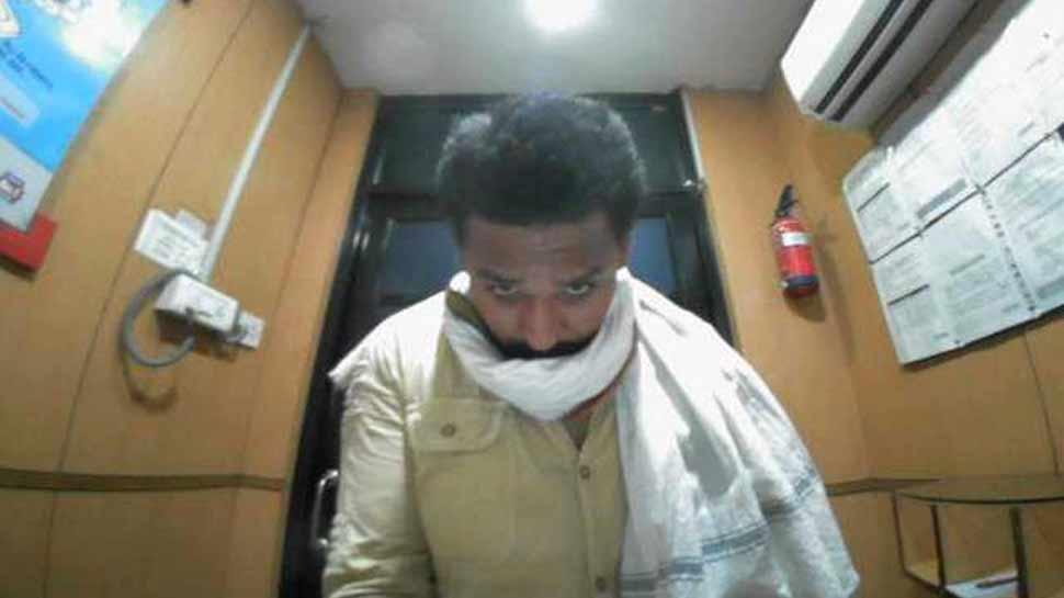पत्रकार पर फायरिंग मामले में भी आरोपी रहा है तैय्यब, पेशी के दौरान बिल्डिंग से कूदने पर हुई मौत
