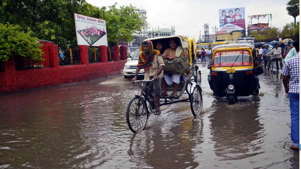 पटना: बारिश ने खोली नगर निगम की पोल, कई इलाके में पानी जमा लेकिन अधिकारी बेसुध