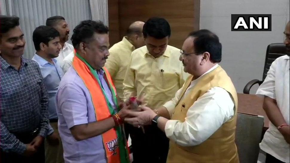 गोवा: 10 कांग्रेस विधायक हुए BJP में शामिल, आज मंत्रिमंडल में मिल सकती है जगह