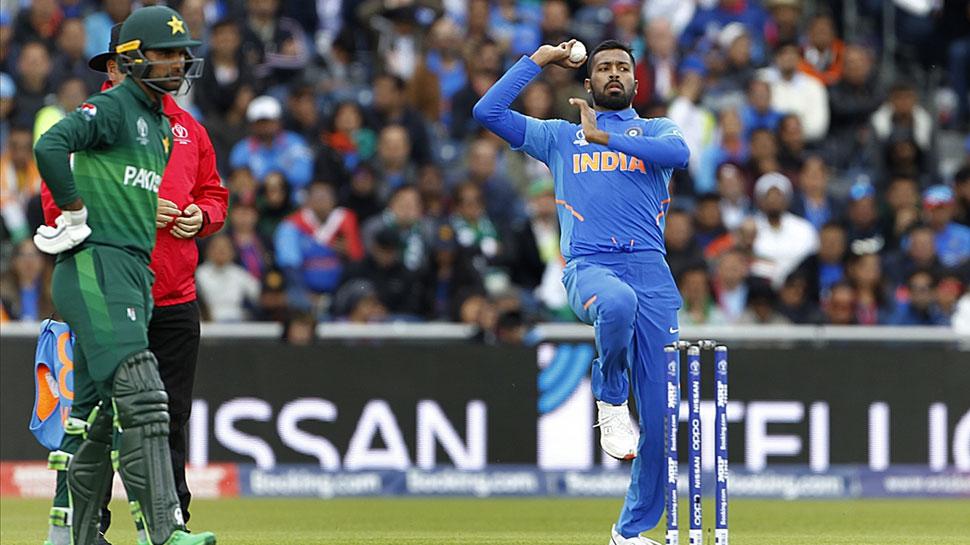 World Cup 2019: भारत-पाक मैच में इस्तेमाल गेंद की हुई नीलामी, जानिए कितने लाख में बिकी