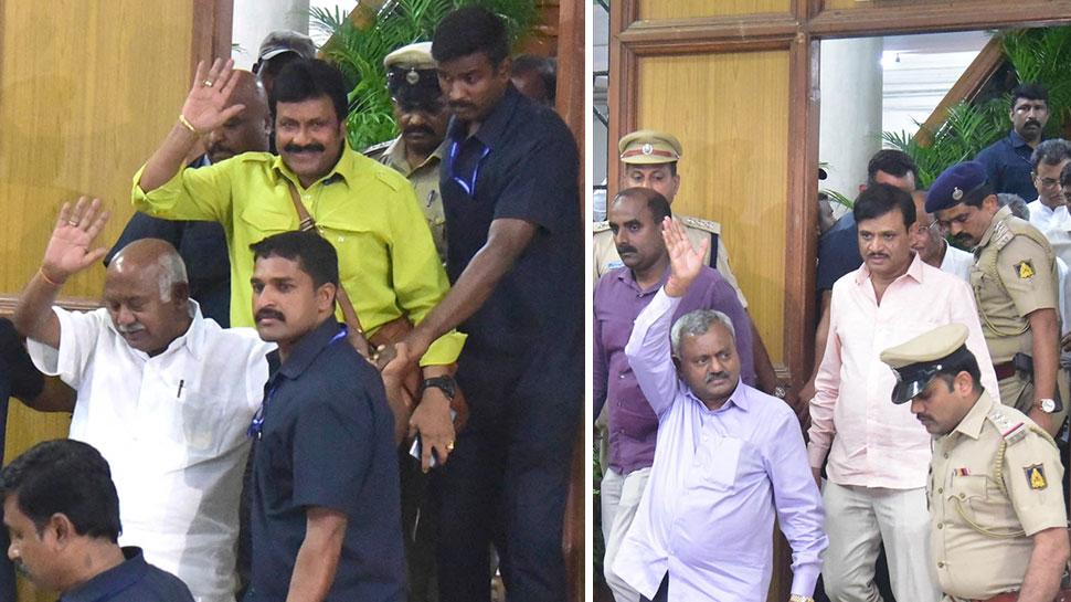 कर्नाटक में जारी सियासी संकट के बीच बड़ा सवाल: क्या बागी विधायक अयोग्य ठहराए जाएंगे?
